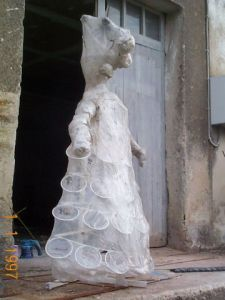 Sculpture de art2pir: dame plastic