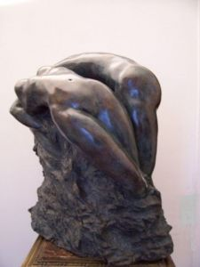 Sculpture de Leonor Luis: enlacement