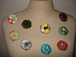 Art_textile de luna kami: Broches