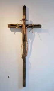 Sculpture de Louise Parenteau: LA CRUCIFIXION