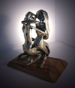 Sculpture de LUC: Couple enlacé