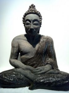 Sculpture de Lucy in the Sky: bouddha indien