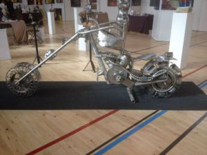 Sculpture de albert deville: moto chopper
