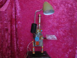Sculpture de bellagamba  gilles: lampe  robot