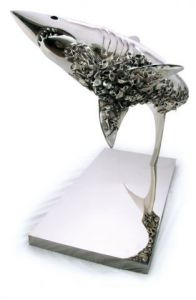 Sculpture de Bene: REQUIN CIMETIERE