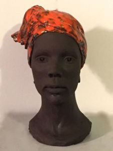 Sculpture de SANDRINE MESNIL: le foulard orange