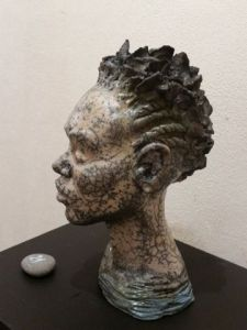 Sculpture de Monica: Africaine