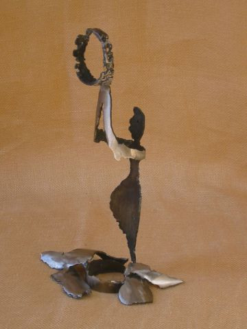 catherine vaganay metal sculpture - Honoring Muse